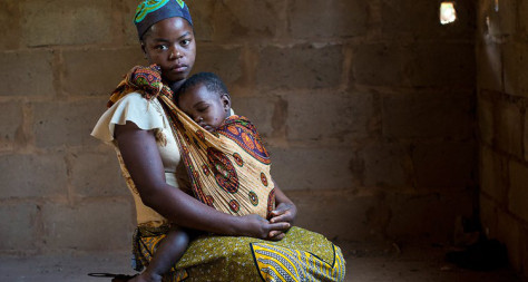 Chief annuls child marriages so that girls in Malawi can go to school